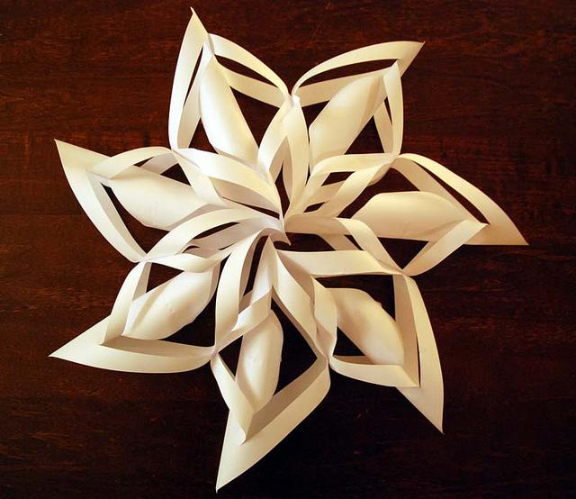 Снежинки своими руками не из бумаги объемные
